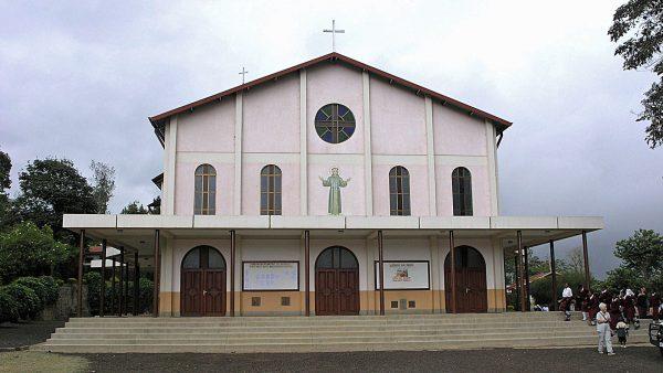 Pfarrkirche von Kwanguleo, Arusha © Missionsprokura Olten