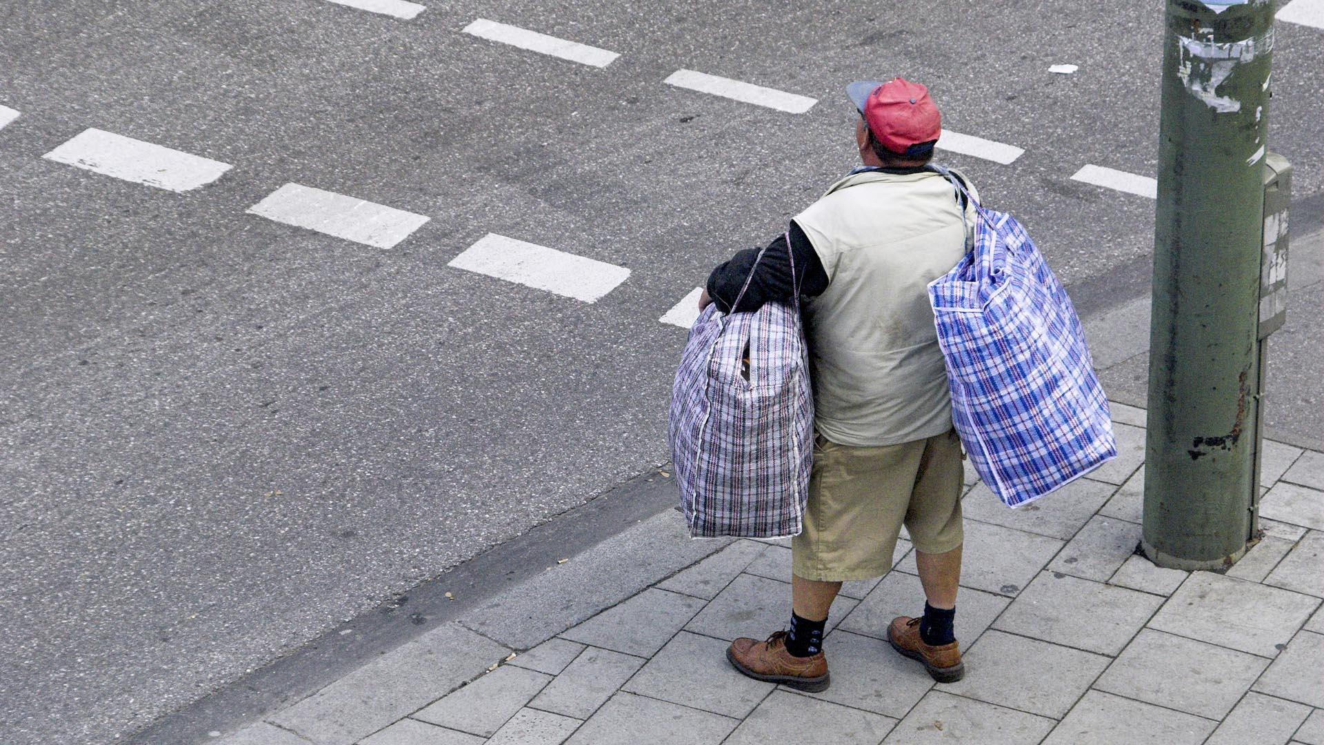 Ein Randständiger in einer Grossstadt. © presse-bild-poss