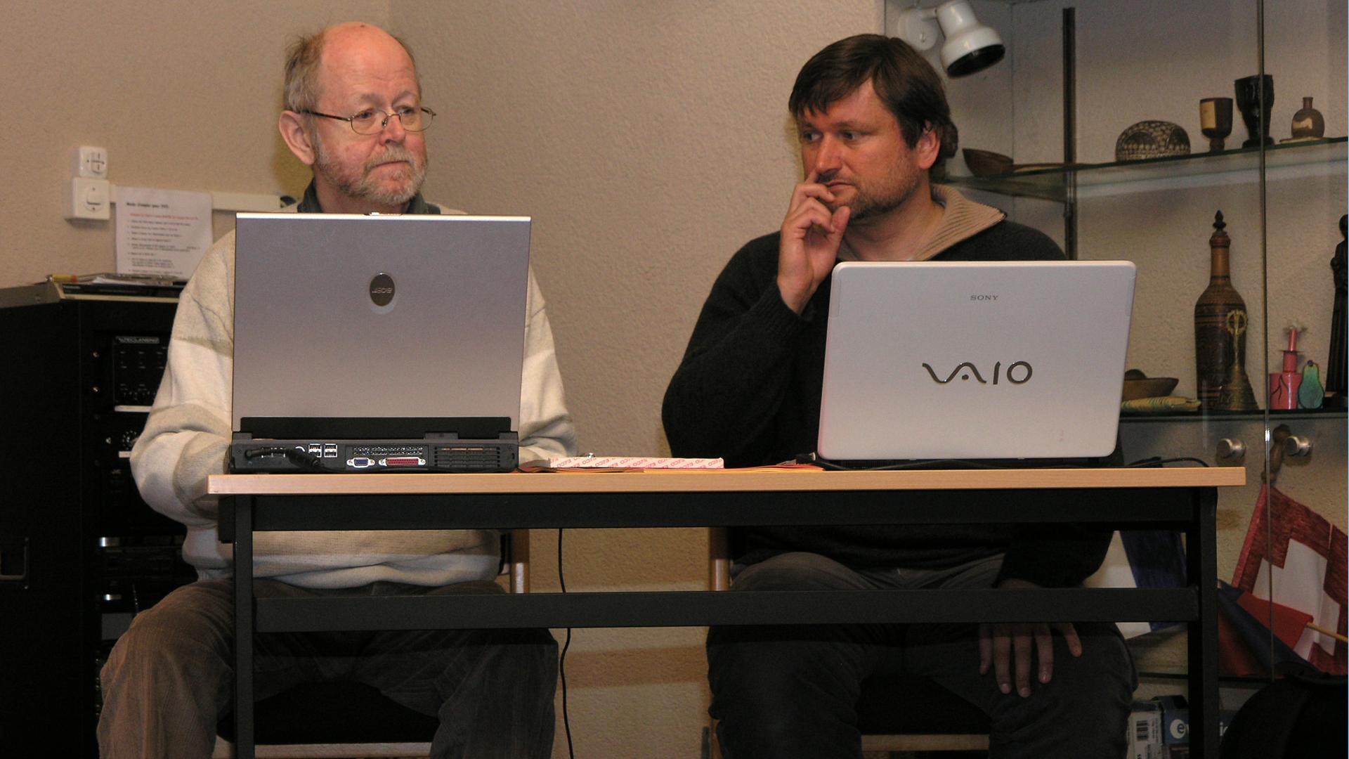 Zwei bekannte Kapuziner-Medienfachleute: Walter Ludin (l.) und Adrian Müller.