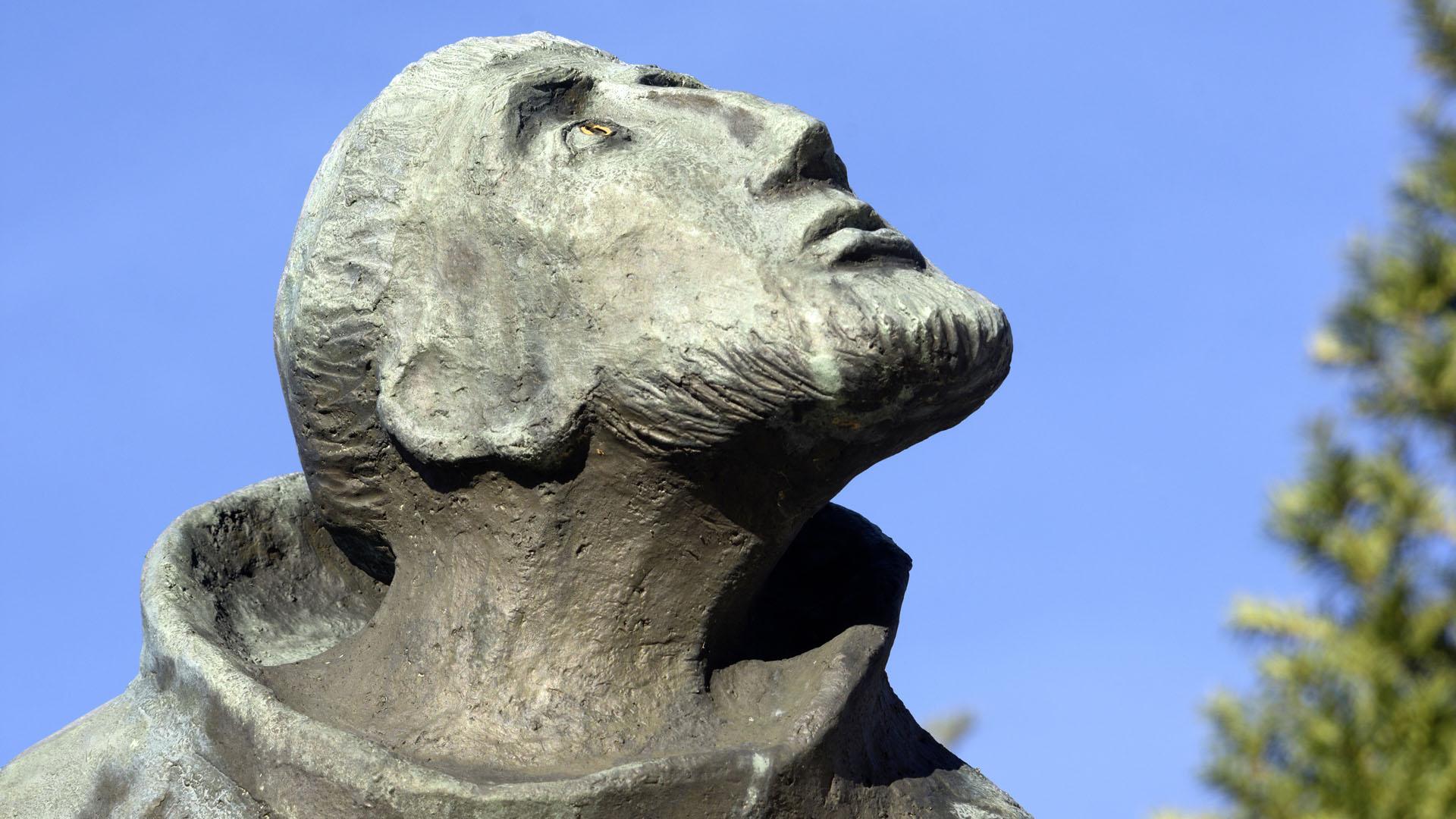 Franziskus, Detail des Franziskusbrunnens vor der Wallfahrtsbasilika Vierzehnheiligen  bei Bad Staffelstein. © Presse-Bild-Poss