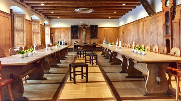 Raum für das Abendmahl im Speisesaal der Kapuziner