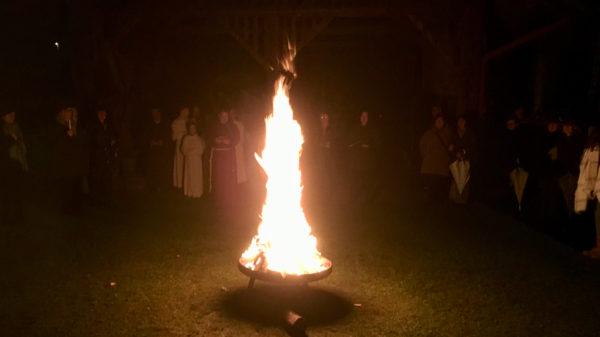Osterfeuer im Klostergarten