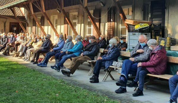 """55 BesucherInnen bei der """"BotanikLyrikKulinarik"""" vom 24. Oktober 2020"""
