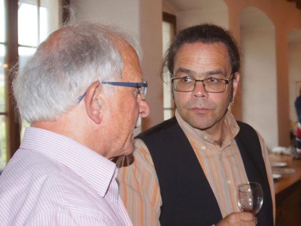 Josef Helg (links) im Gespräch mit Br. Kletus.