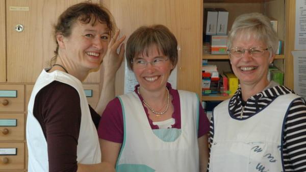 Aufgestelltes Pflegeteam: Annerose Douglas, Rita Jung und Yvonne Bergmann (von links) kümmern sich im Kapuzinerkloster Wil um die betagten Brüder.