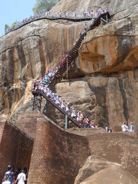 Aufstieg auf den Löwenfelsen bei Sigiryia © Stefan Rüde